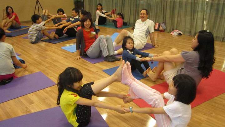 Bonding with your Child through Parent-Child Yoga